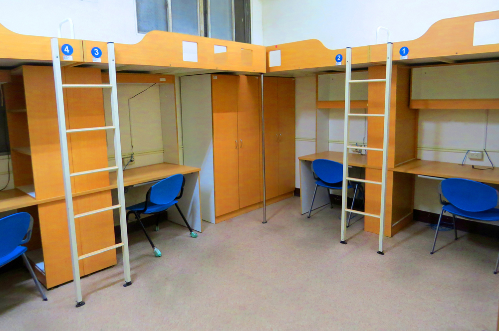 4-person dormitory room for male students